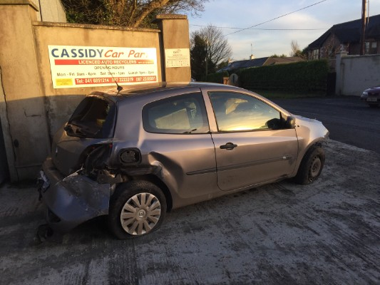 grey 2 door 1 2l 2012 renault clio iii expression 1 2 ethanol 3d 2dr parts grangebellew drogheda. Black Bedroom Furniture Sets. Home Design Ideas