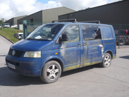 Parts available for a Blue 2 5L 2004 VOLKSWAGEN TRANSPORTER T30 130