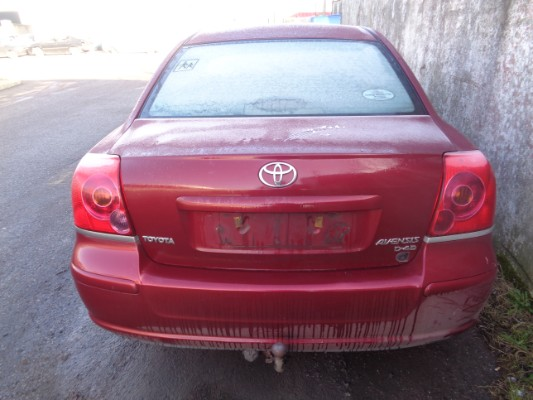 red 4 door 2 0l 2006 toyota avensis d4d aura 2 0 parts tullamore county offaly ireland. Black Bedroom Furniture Sets. Home Design Ideas