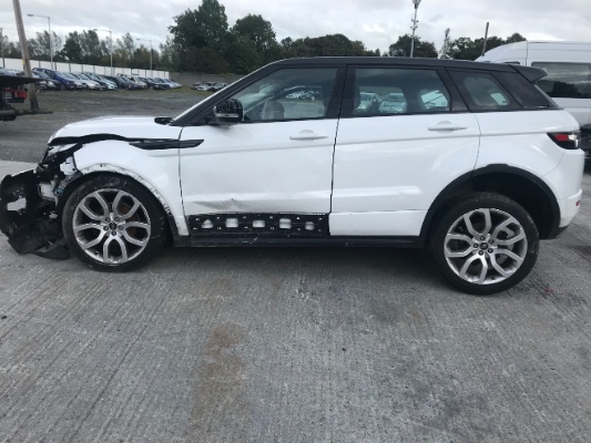 White 5 door 2 2L 2013 LAND ROVER RANGE ROVER EVOQUE 4WD